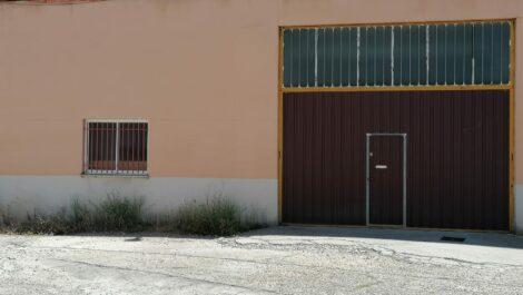 2196 LOCAL-NAVE EN EL POLIG. DE LOS VILLARES.